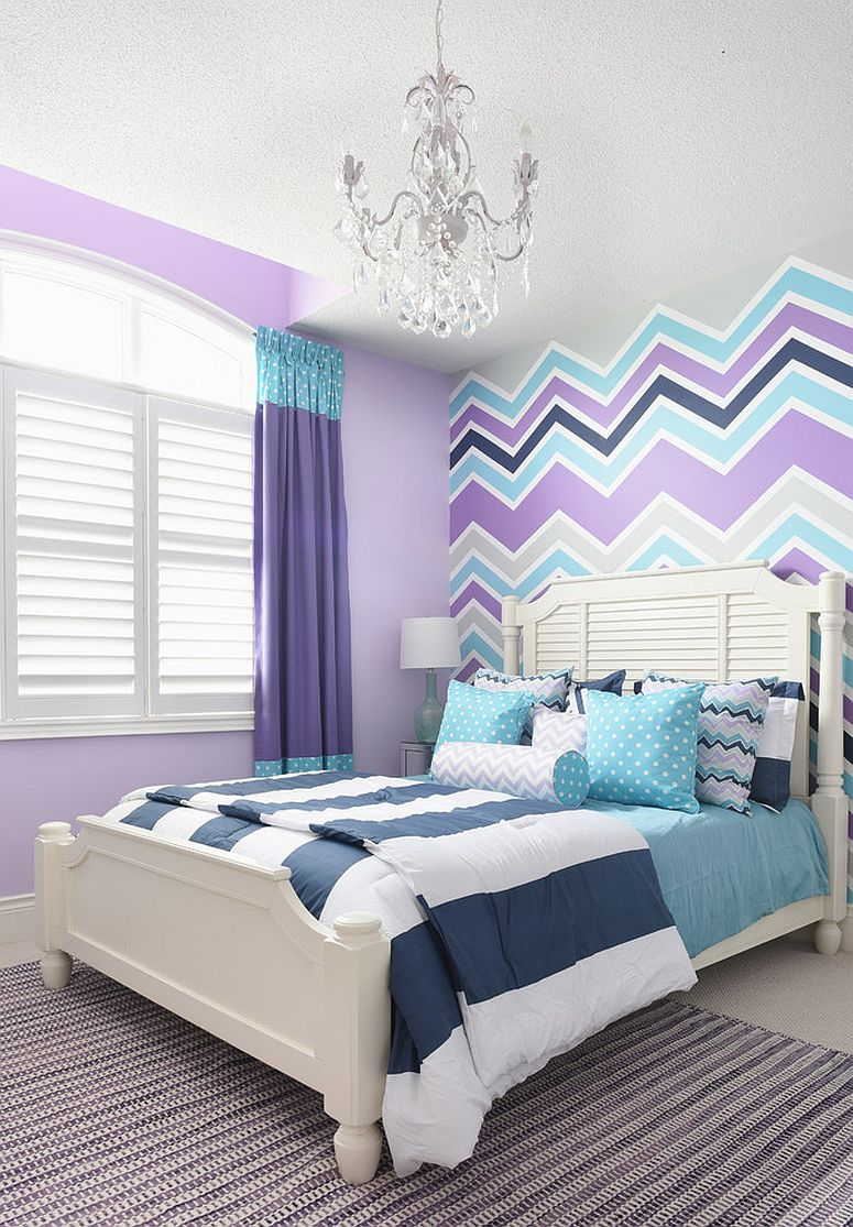 Chevron pattern along with violet adds plenty of vibrance to the girls' bedroom