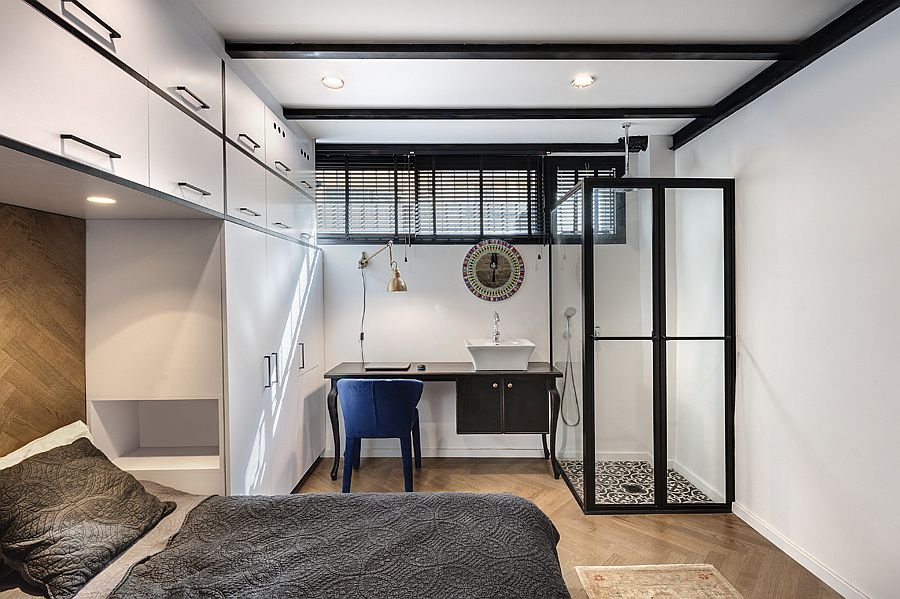Desk with next to the bathroom can be used as a workspace as well