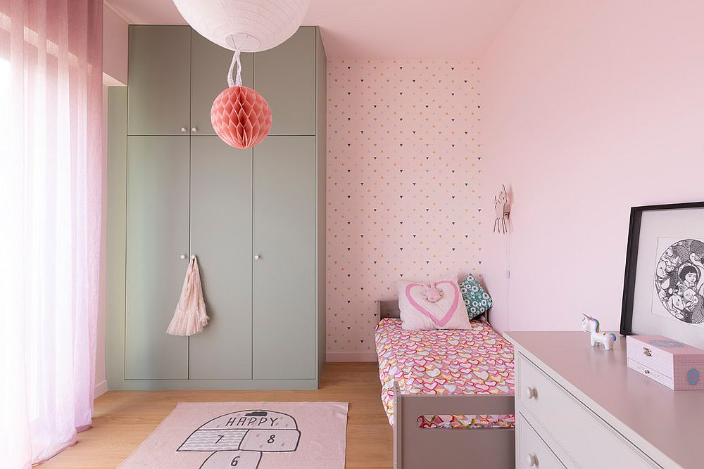 Gorgeous pastel pink in the modern kids' bedroom