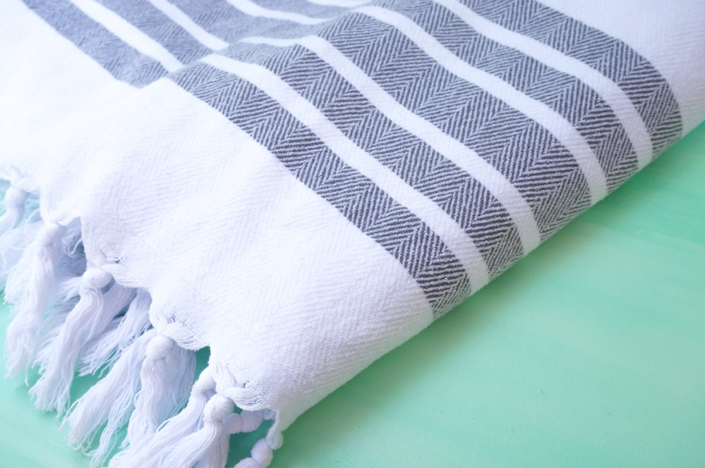 Turkish-towels-add-comfort-and-style-to-the-powder-room