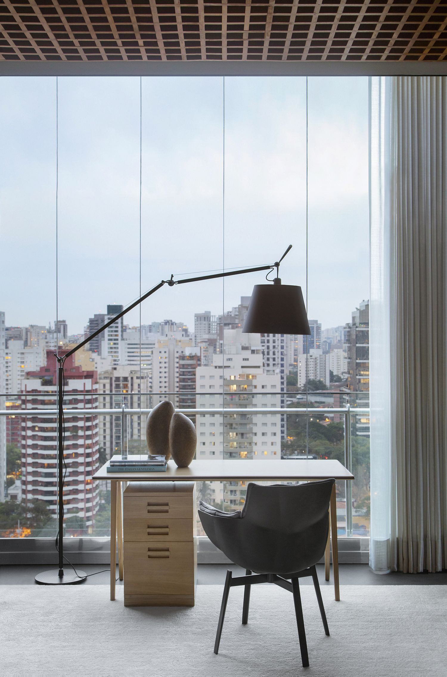 View-from-the-home-workspace-leaves-you-captivated
