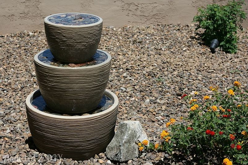 Compact DIY tiered water fountain idea