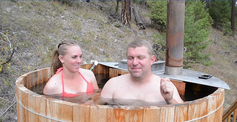 Cozy and efficient DIY hot tub from Pure Living for Life