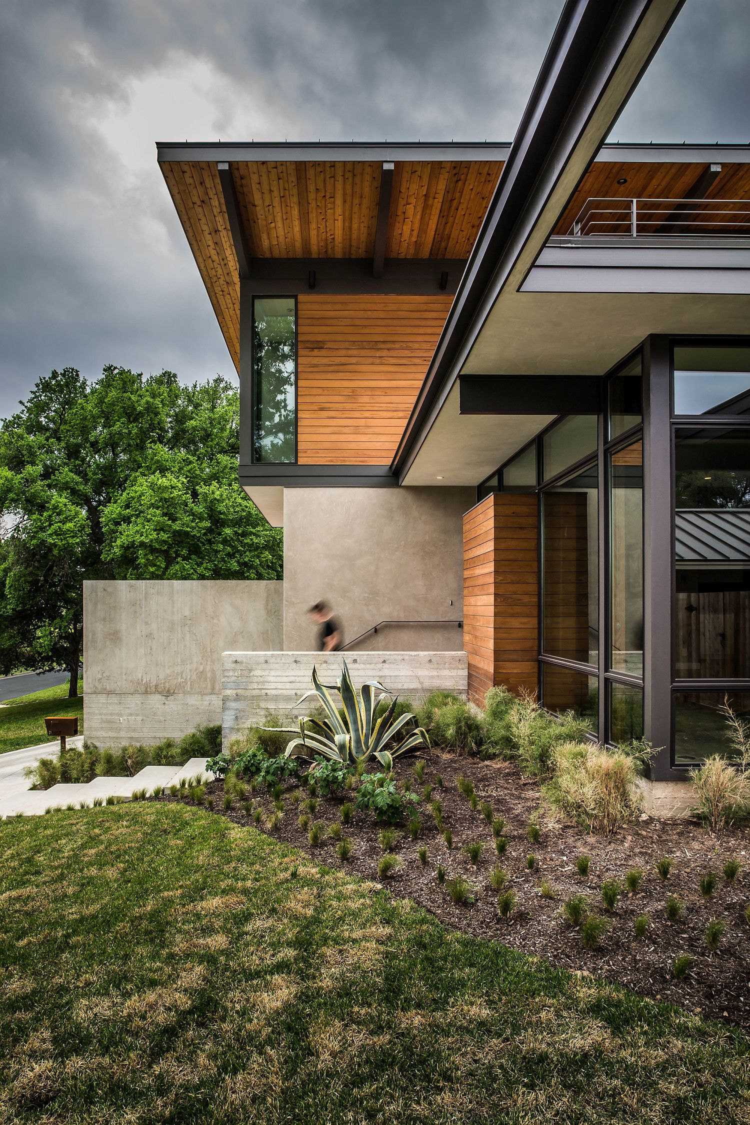 Curated landscape around the Paramount Residence