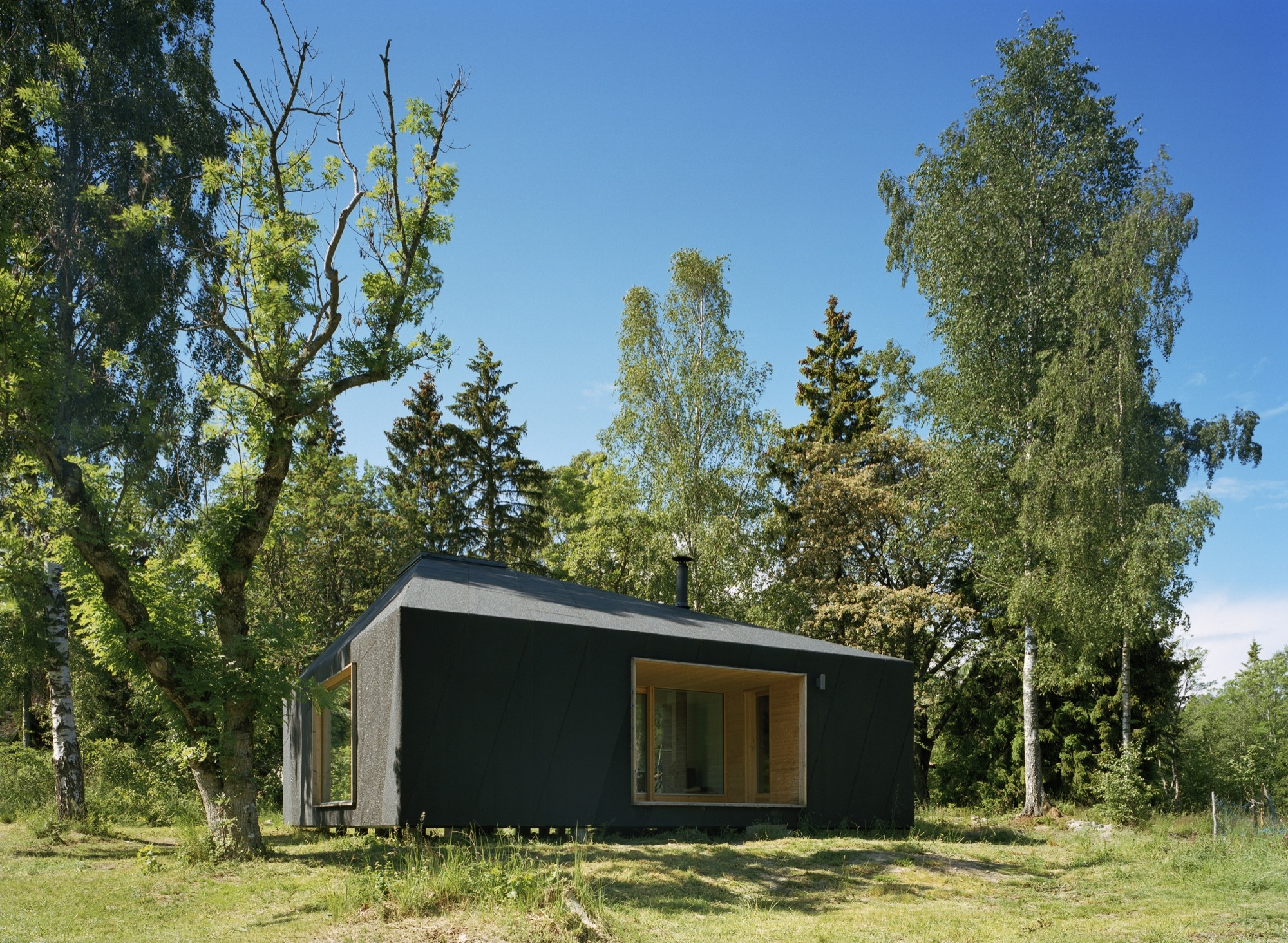 Elevates design of the cabin makes it eco-friendly with ease