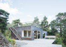 Expansive-wooden-deck-outside-the-cottage-allows-you-to-take-in-nature-217x155
