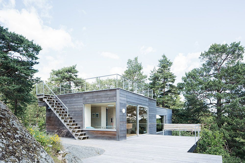 Expansive wooden deck outside the cottage allows you to take in nature