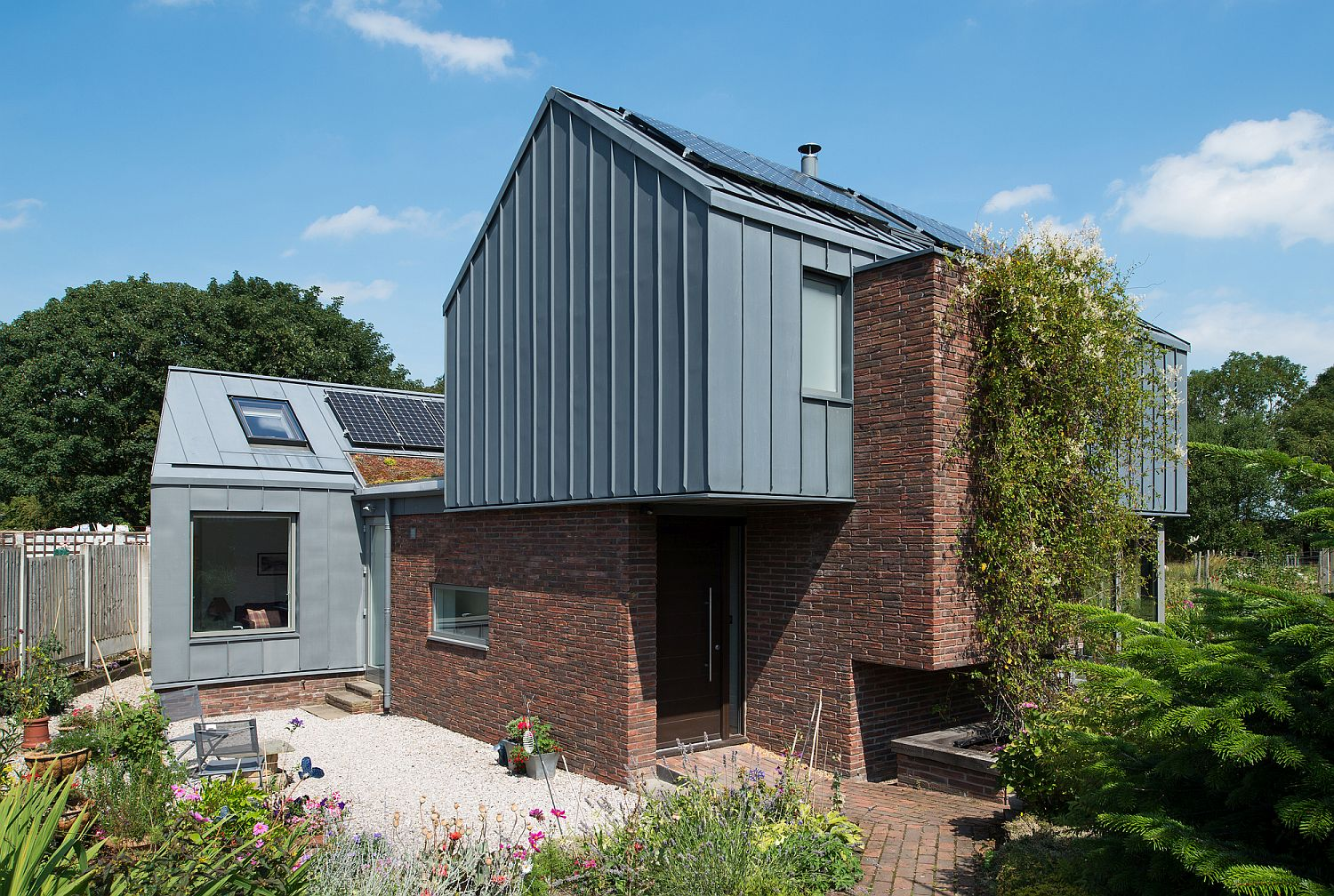 Gorgeous-home-with-pre-fabricated-cross-laminated-timber-structure-and-zinc-charm