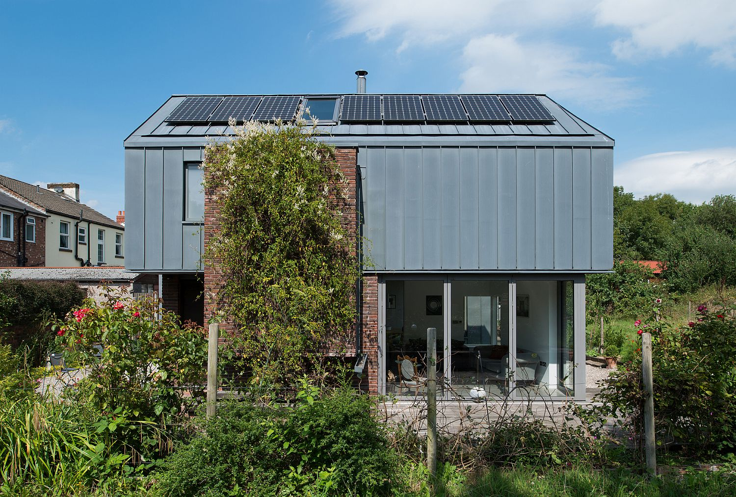 Greenery-around-the-house-gives-it-natural-shade-while-reducing-carbon-footprint