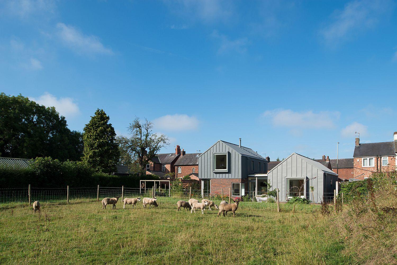 Landscape-around-the-innovative-Zinc-House-in-Surrey