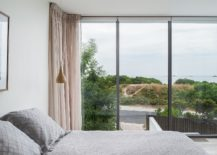 Light-filled-bedroom-in-white-of-the-Shearwater-House-217x155