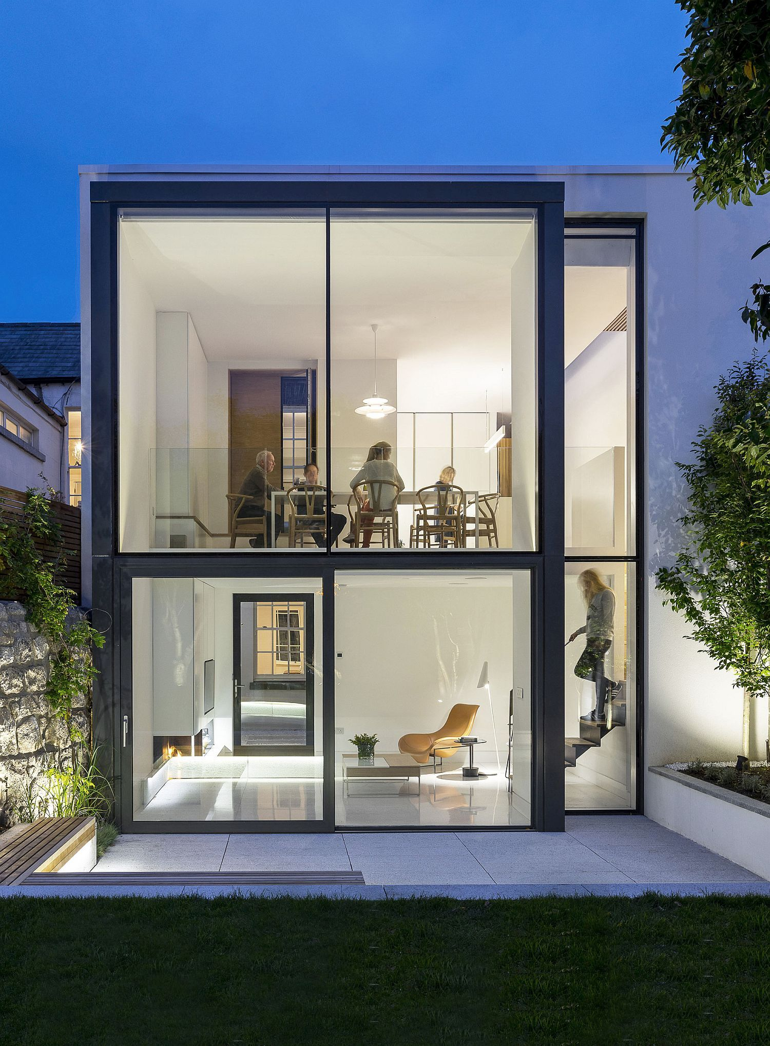 Modern extension to red brick Victorian terrace house in Dublin