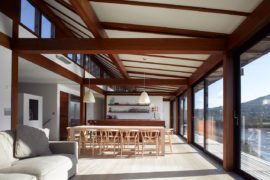 Spectacular House in Wales with Amazing Estuary and Sea Views Enthralls!