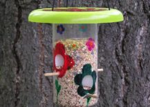 Recycled-jar-bird-feeder-just-takes-a-few-minutes-to-make-217x155