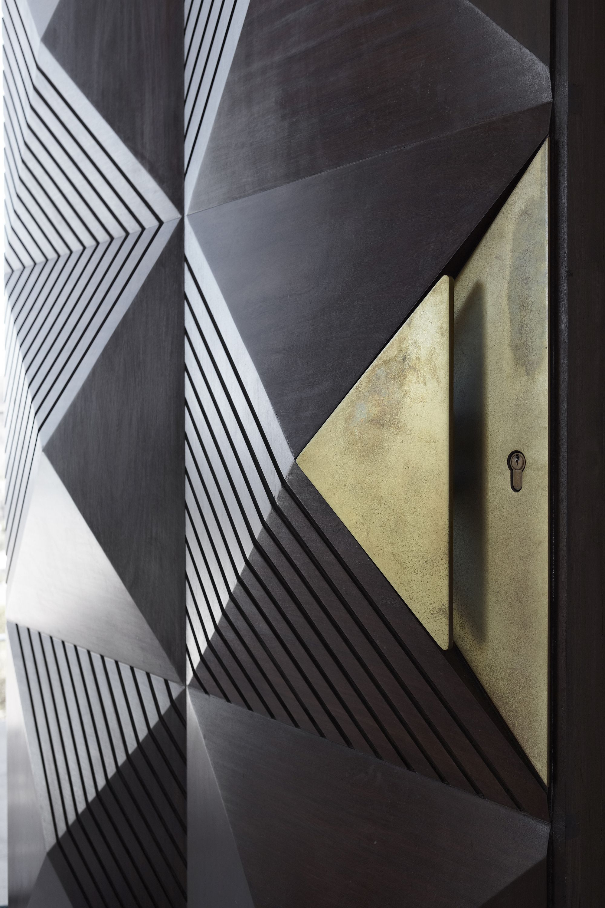 Awesome-door-reimagines-traditonal-African-elements-to-create-a-spectacular-entry