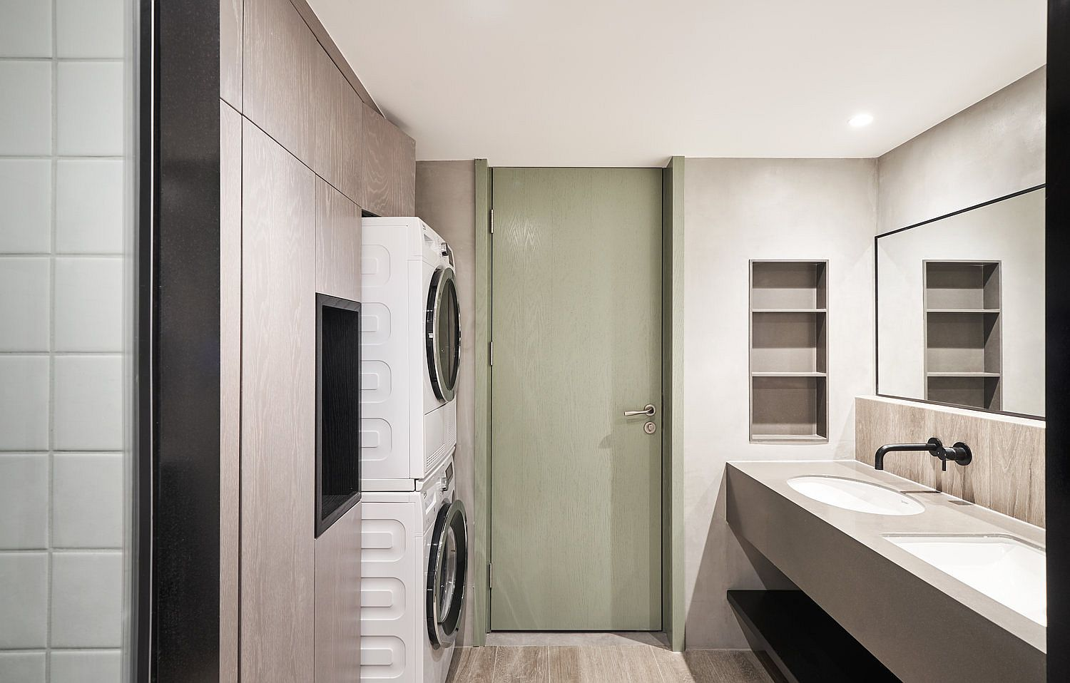 Combining-the-laundry-and-the-bathroom-designs-to-save-space