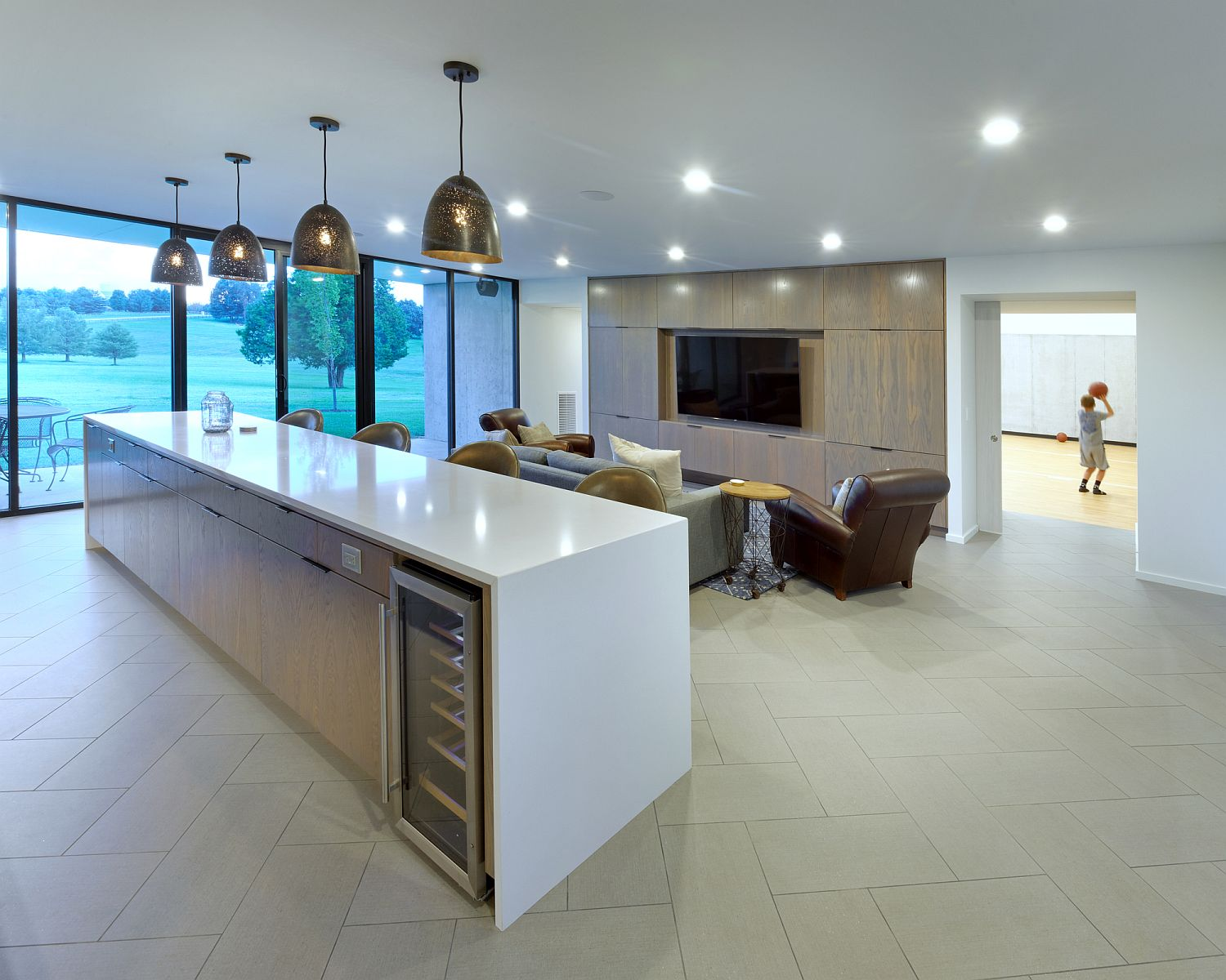 Contemporary-kitchen-on-the-suburban-home-in-white-with-a-spacious-island