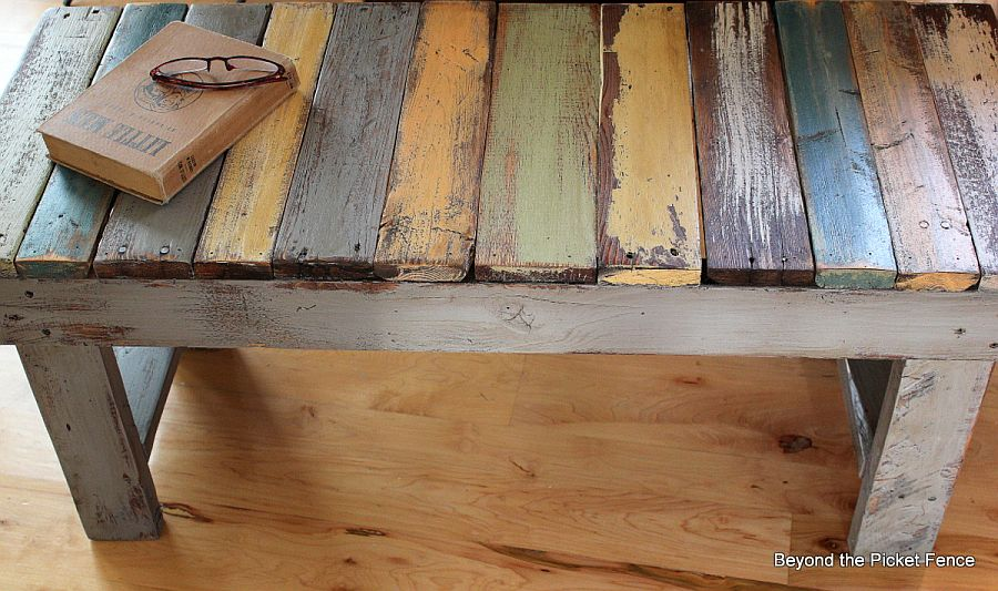 Dashing and rustic DIY Pallet Bench Tutorial