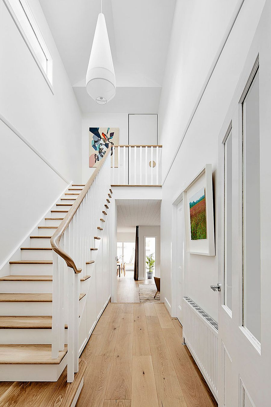 Double entry with traditional stairway