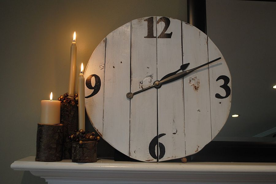 Large-DIY-wood-wall-clock-with-vintage-charm