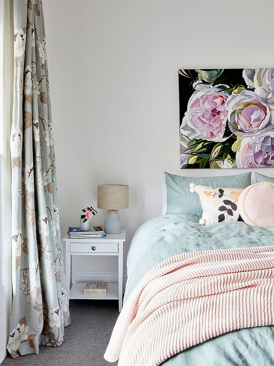 Master bedroom in white with a floral touch