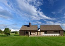 Modern-classic-house-in-Rogersville-clad-in-different-types-of-cedar-217x155