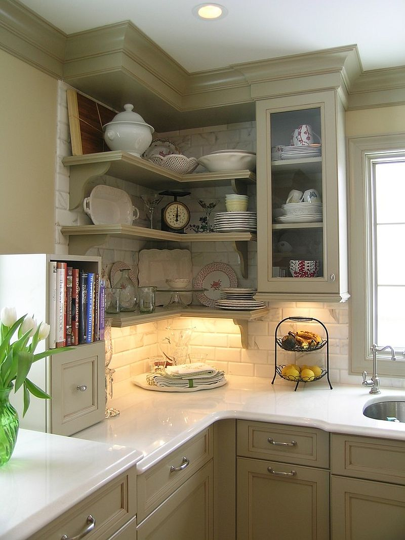 More traditional approach to making most of the kitchen corners