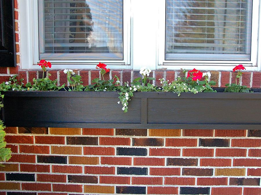 Perfect DIY flower box planters for the classic home window