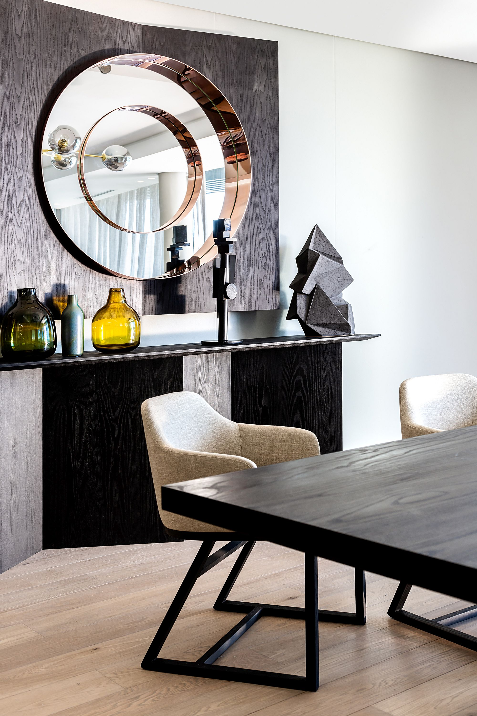 Port-Mirror-and-Tofu-dining-chairs-add-class-to-the-interior