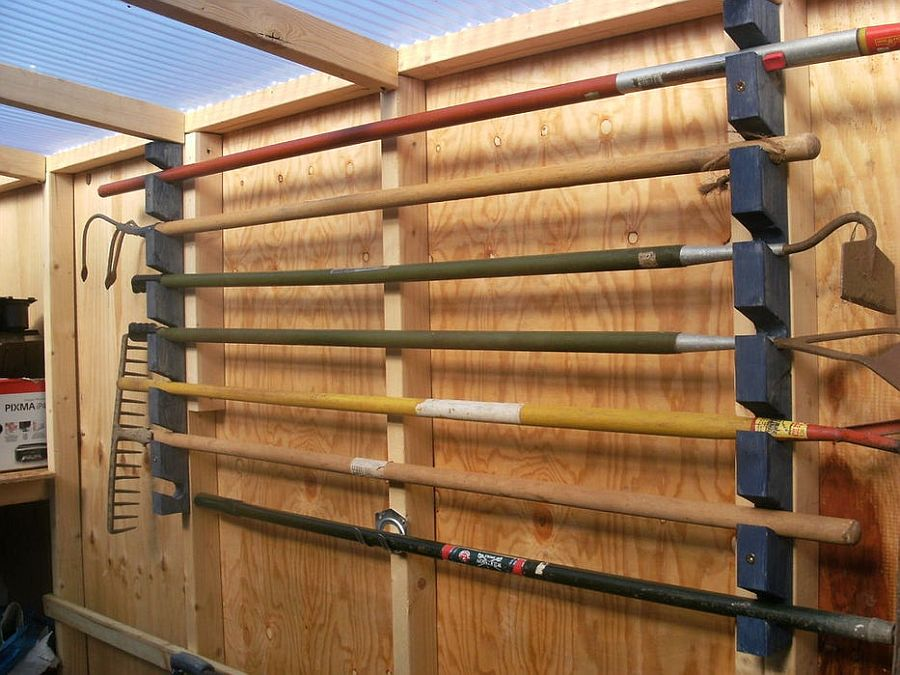 Simple and easy DIY garage tool rack made out of wood