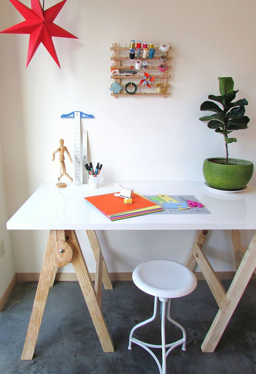 Slim and cool DIY craft table that takes just an hour to make!