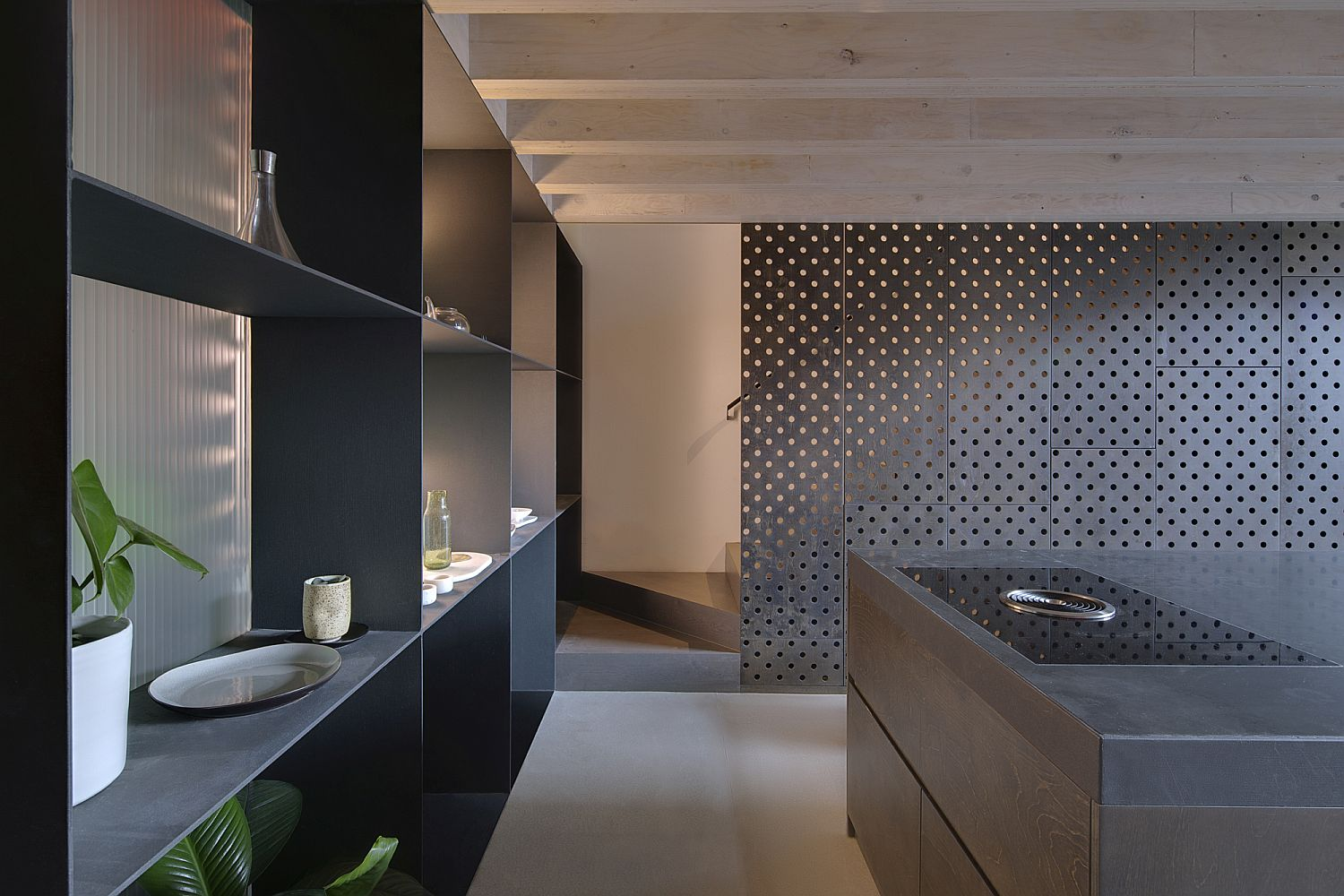 Smart way to delineate the kitchen from the entrance without blocking light