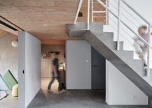 Staircase-and-floor-brings-concrete-charm-to-the-interior-217x155