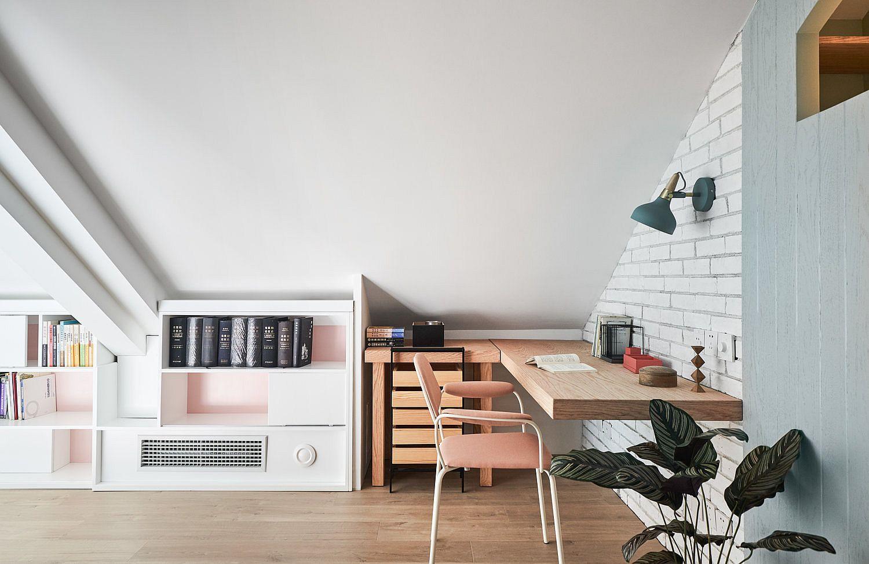 Study-zone-on-the-upper-mezzanine-level-next-to-bedroom