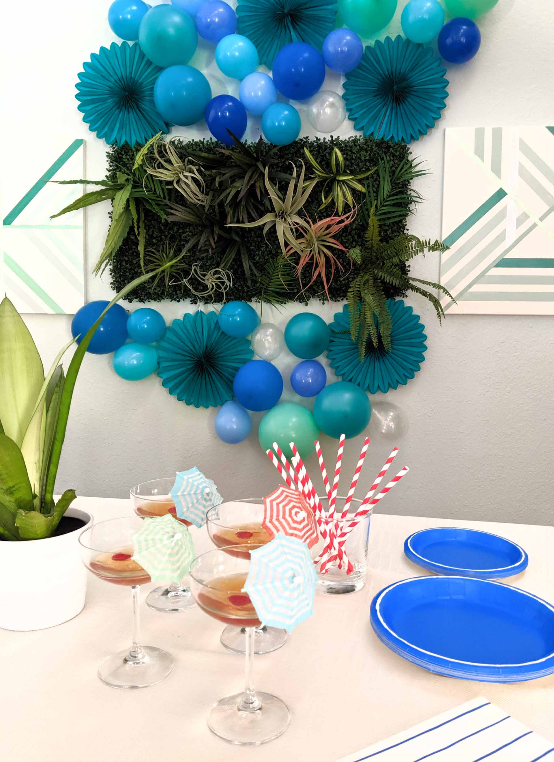 Summer party table in blue