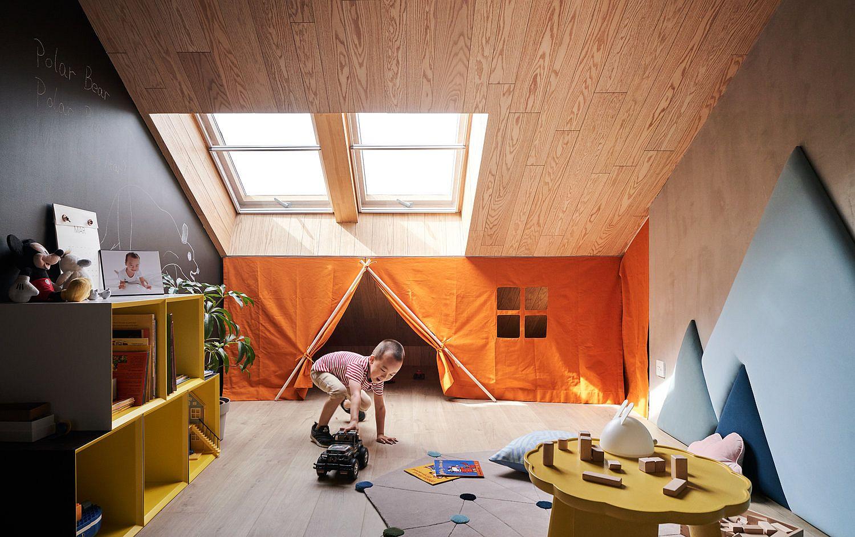 Using-curtains-to-create-a-smart-playzone-shaped-like-a-tent
