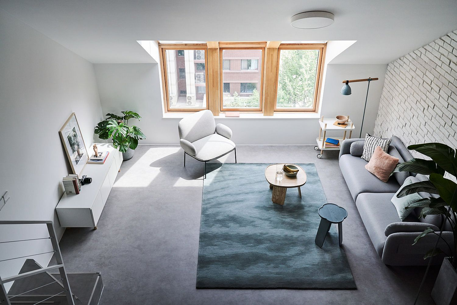 View-of-the-light-filled-living-area-from-the-mezzanine-floor