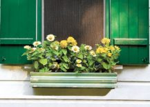 Vintage-DIY-wooden-flower-box-for-the-window-217x155