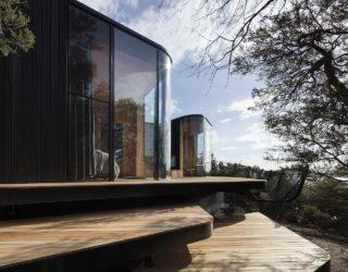 Imaginative Coastal Lodge in Tasmania Brings sustainability to Serene Lifestyle