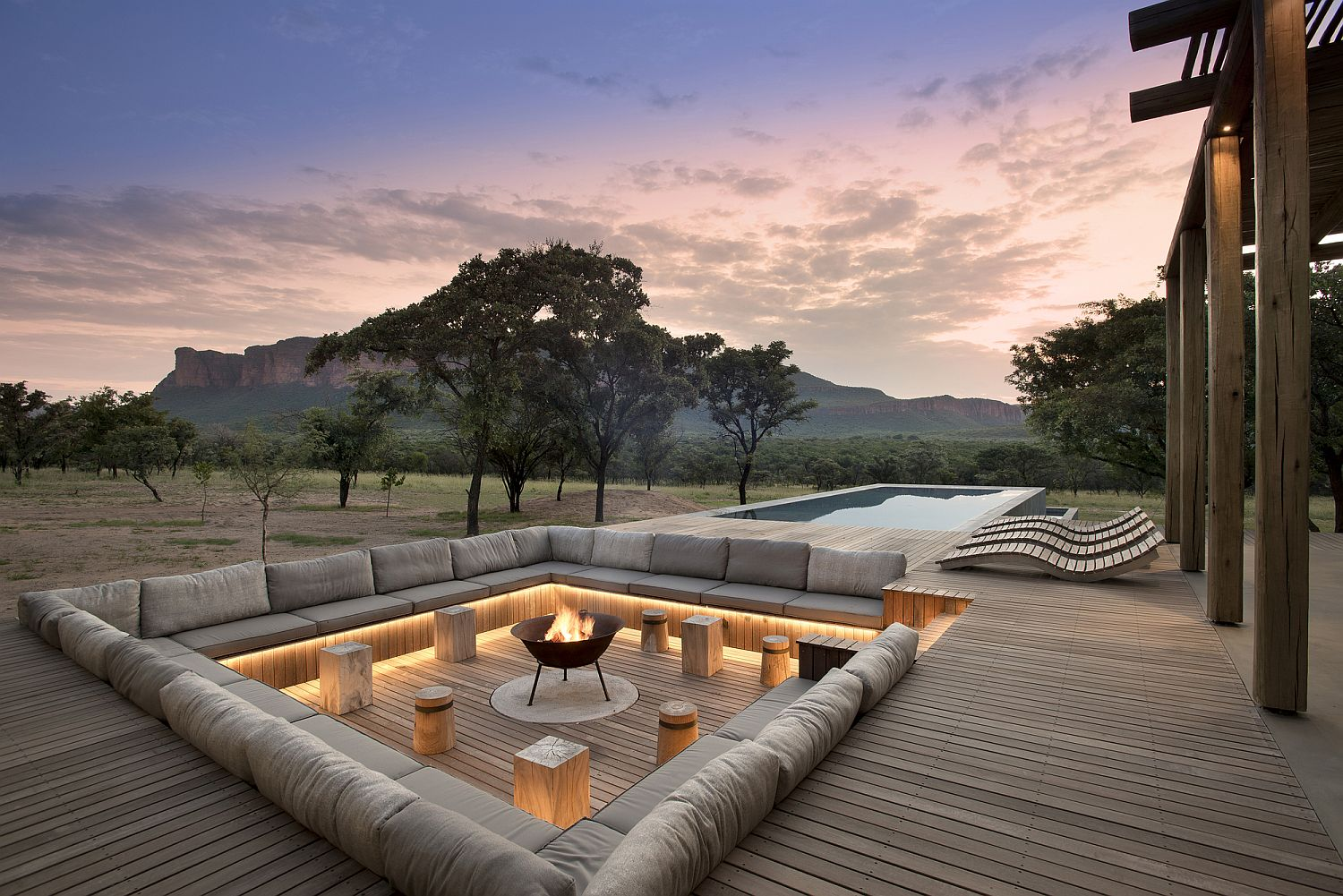 Comfy-sunken-lounge-and-pool-area-at-the-Mabote-House