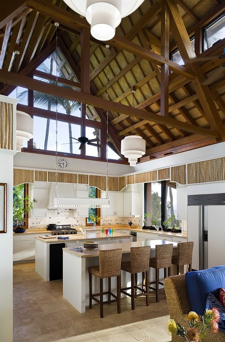 Double-height kitchen with a vaulted ceiling