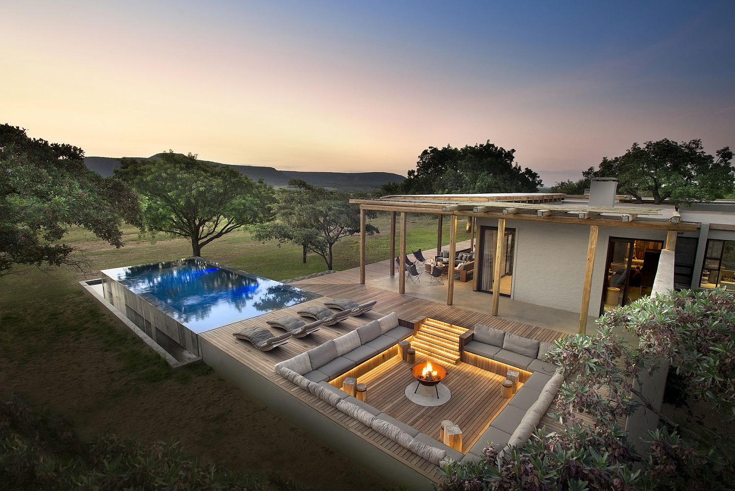 Fabulous contemporary Mabote House in South Africa feels integrated with the landscape