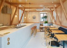 Fabulous-use-of-lovely-wood-structure-inside-the-cafe-adds-warmth-and-nativity-to-the-setting-217x155