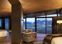 Glass-doors-and-windows-blur-the-line-between-the-interior-and-the-outdoors-217x155