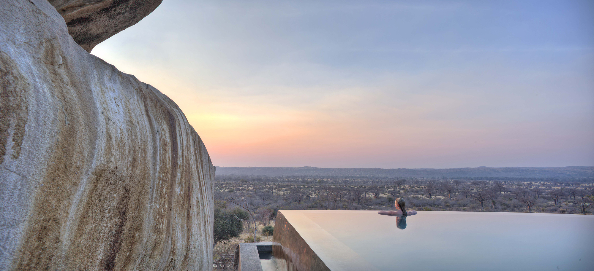 Infinity-pool-with-a-view-of-untamed-African-Serengeti