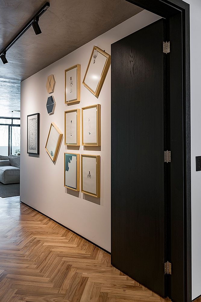 Innovative-gallery-wall-design-makes-an-inpressive-visual-statement