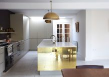 Innovative-way-to-add-metallic-dazzle-to-the-kitchen-with-copper-sheet-217x155