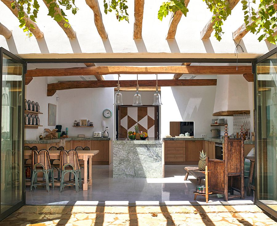 More-modern-and-less-colorful-take-on-the-Tropical-style-kitchen
