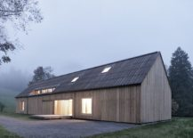 Rectangular-base-and-gabled-roof-creates-a-picture-perfect-home-in-Austria-217x155