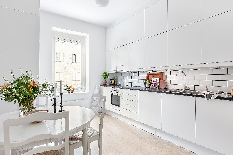 Scandinavian-style-single-wall-kitchen-in-white